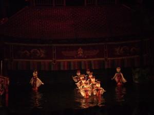 Vietnam - Hanoi - teatro marionette sull'acqua