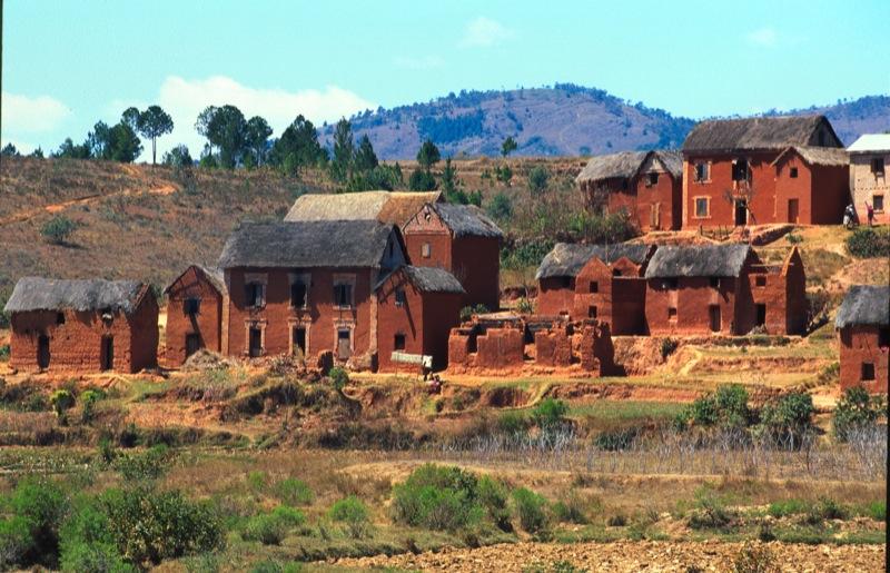 Madagascar - villaggi lungo la strada