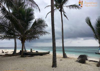 Desert beach 1 - San Blas Islands, Panama
